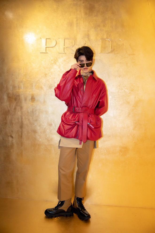 Đẳng cấp thời trang là gì? Là khi cùng diện hàng hiệu, Quan Hiểu Đồng khiến netizen chạy mất dép còn Sunmi lại thần thái bức người - ảnh 7