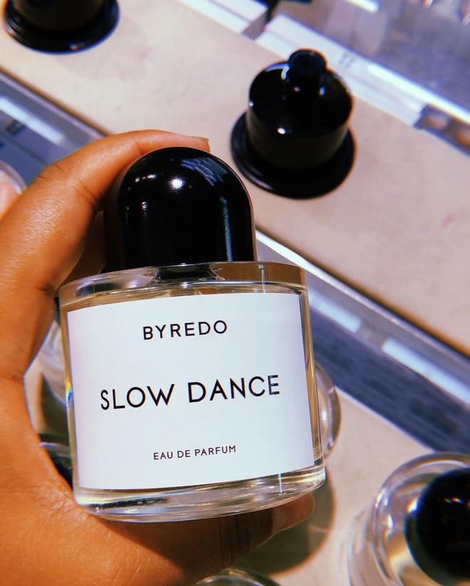 Sắm ngay 1 trong 9 chai nước hoa với hương thơm tươi mát, trong trẻo sau nếu bạn vẫn còn lưu luyến mùa hè - ảnh 1
