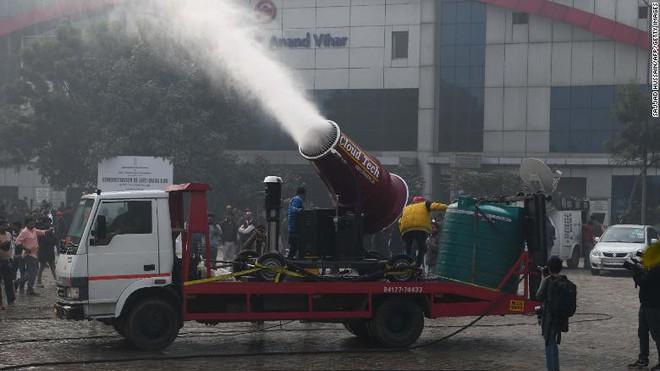 Cùng bị ô nhiễm cao nhất thế giới suốt nhiều năm, Ấn Độ và Trung Quốc giải quyết vấn đề ra sao? - ảnh 1