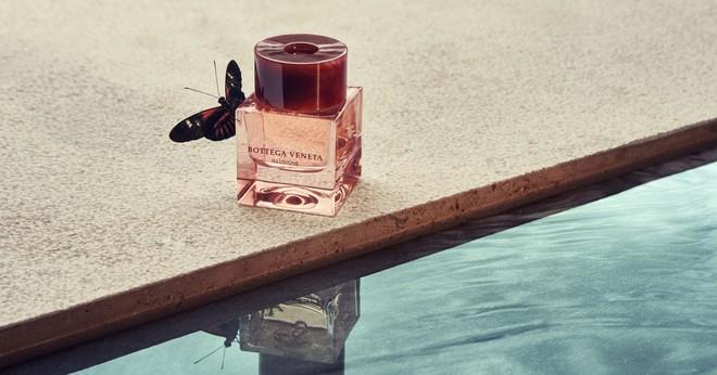 Sắm ngay 1 trong 9 chai nước hoa với hương thơm tươi mát, trong trẻo sau nếu bạn vẫn còn lưu luyến mùa hè - ảnh 6