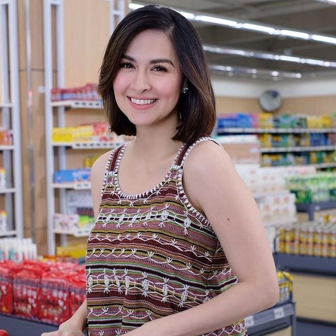 Vừa cắt tóc, mẹ 3 con đẹp nhất Philippines khiến dân tình ngỡ ngàng vì quá giống Song Hye Kyo - ảnh 7