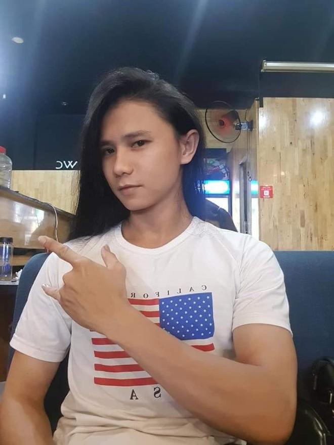 Tăng cân đổi phong cách, chàng nhạc công hóa mỹ nam tóc dài gây sốt - ảnh 5