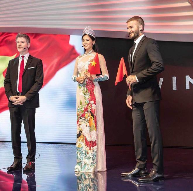 Không chỉ phù phép trên thảm đỏ quốc tế, thiết kế áo dài của NTK Công Trí cũng chinh phục hết sao nội đến sao ngoại - ảnh 6
