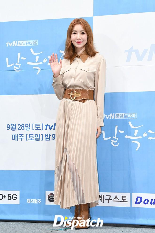 Ji Chang Wook chính thức comeback sau 2 năm, gây sốt vì vẻ soái cực phẩm và ánh mắt dành cho nữ chính tại sự kiện - ảnh 13