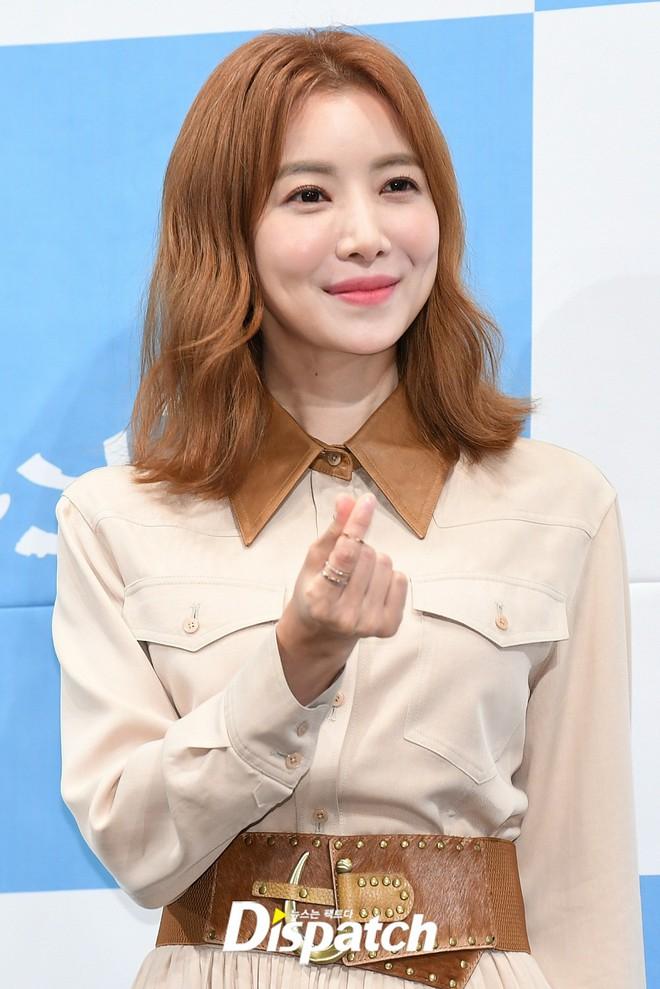 Ji Chang Wook chính thức comeback sau 2 năm, gây sốt vì vẻ soái cực phẩm và ánh mắt dành cho nữ chính tại sự kiện - ảnh 14