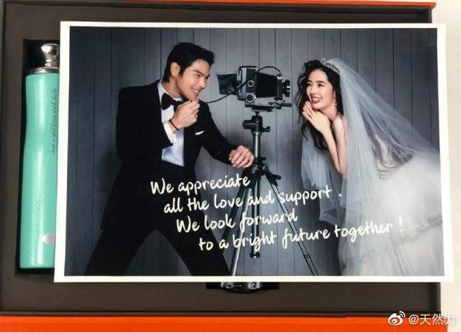 Đám cưới như trò hề của Cbiz: Liên tục phủ nhận, tình cũ Seungri và cháu trùm mafia Hong Kong hôm nay tung ảnh hôn lễ - ảnh 6