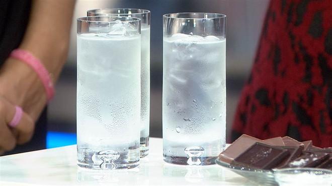 Sáng vừa ngủ dậy đừng uống những loại nước này nếu không muốn dạ dày bị tổn hại - ảnh 1