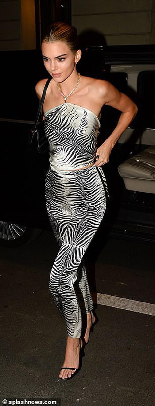Xuất hiện đối thủ của cặp chân dài thế hệ mới Kendall Jenner và Gigi Hadid: Sắc vóc và gia thế đều không thua kém - ảnh 9