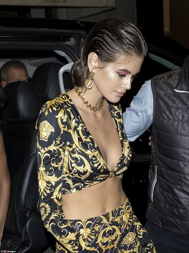Xuất hiện đối thủ của cặp chân dài thế hệ mới Kendall Jenner và Gigi Hadid: Sắc vóc và gia thế đều không thua kém - ảnh 1