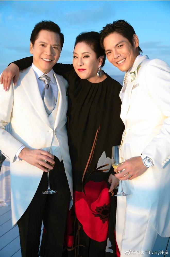 Đám cưới như trò hề của Cbiz: Liên tục phủ nhận, tình cũ Seungri và cháu trùm mafia Hong Kong hôm nay tung ảnh hôn lễ - ảnh 7