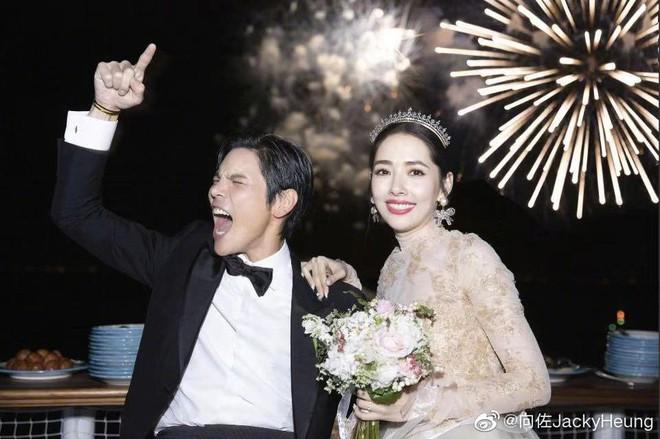 Đám cưới như trò hề của Cbiz: Liên tục phủ nhận, tình cũ Seungri và cháu trùm mafia Hong Kong hôm nay tung ảnh hôn lễ - ảnh 12