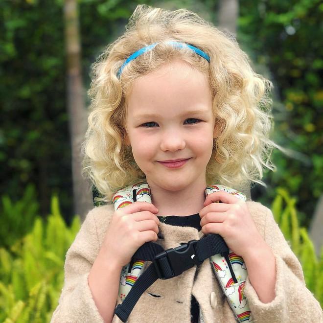 MXH dậy sóng vì clip cạo tóc nửa đầu của con gái tài tử nổi tiếng Hollywood, tiểu mỹ nhân thế hệ mới là đây! - ảnh 3