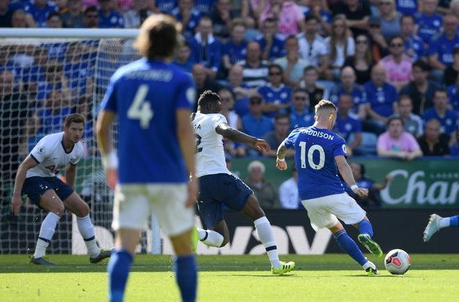 Son Heung-min tỏa sáng với cú đánh gót kiến tạo bàn mở tỷ số điệu nghệ, Tottenham vẫn thất bại trong trận cầu tràn ngập drama VAR - Ảnh 3.