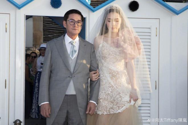 Đám cưới như trò hề của Cbiz: Liên tục phủ nhận, tình cũ Seungri và cháu trùm mafia Hong Kong hôm nay tung ảnh hôn lễ - ảnh 9