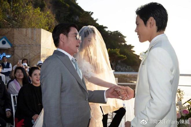 Đám cưới như trò hề của Cbiz: Liên tục phủ nhận, tình cũ Seungri và cháu trùm mafia Hong Kong hôm nay tung ảnh hôn lễ - ảnh 8