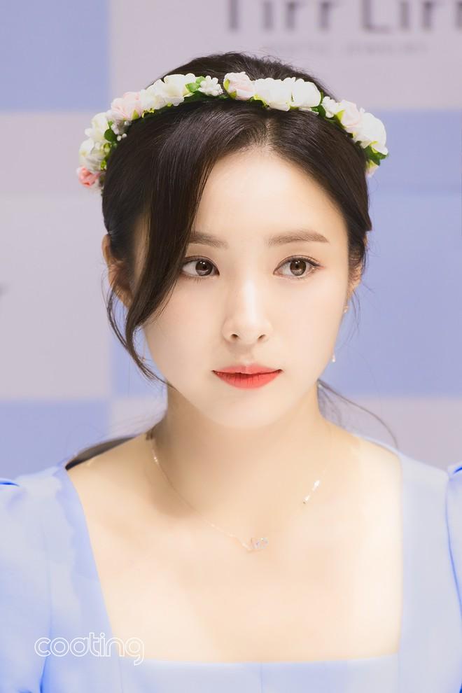 Mỹ nhân mặt đơ Shin Se Kyung bỗng khiến netizen Việt-Hàn phát sốt vì nhan sắc: Không làm idol quá phí! - ảnh 7