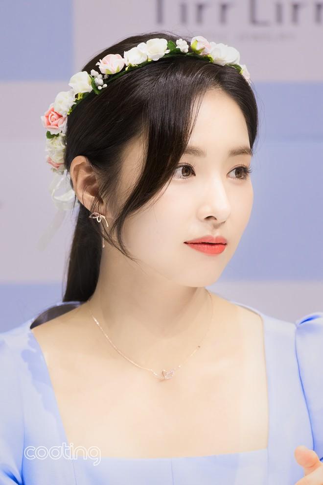 Mỹ nhân mặt đơ Shin Se Kyung bỗng khiến netizen Việt-Hàn phát sốt vì nhan sắc: Không làm idol quá phí! - Ảnh 7.