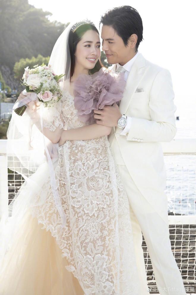Đám cưới như trò hề của Cbiz: Liên tục phủ nhận, tình cũ Seungri và cháu trùm mafia Hong Kong hôm nay tung ảnh hôn lễ - ảnh 3
