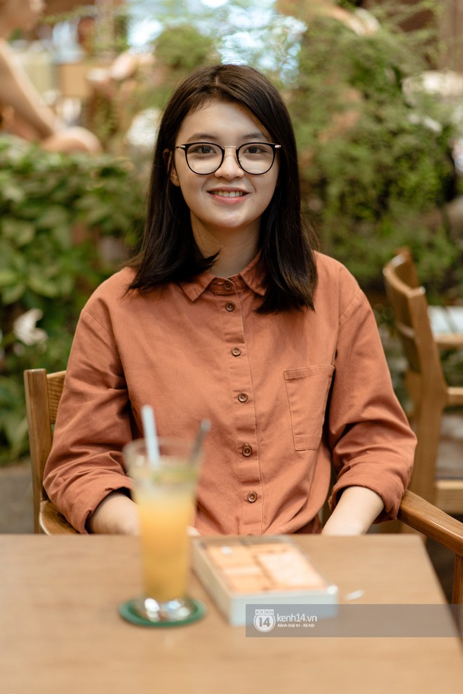 Nữ sinh Hà Thành đạt 8.5 IELTS dù chỉ ôn thi 1 tháng: Bố mẹ là phó Giáo sư, ông nội là Hiệu trưởng, chị gái tốt nghiệp xuất sắc tại Mỹ - ảnh 1