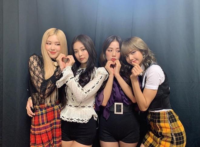 Mặt trận album girlgroup Kpop hiện tại: TWICE double-kill Nhật - Hàn, Red Velvet lép vế, BLACKPINK not found - ảnh 3