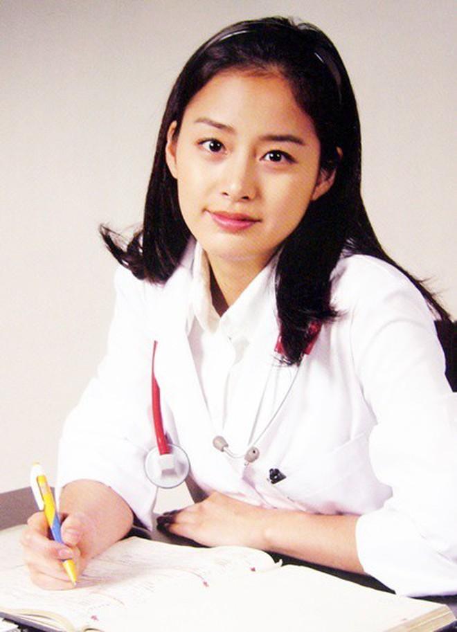 Nhan sắc thật của Kim Tae Hee hồi học đại học: Đẳng cấp ra sao mà khiến bạn cùng trường bị choáng? - ảnh 4