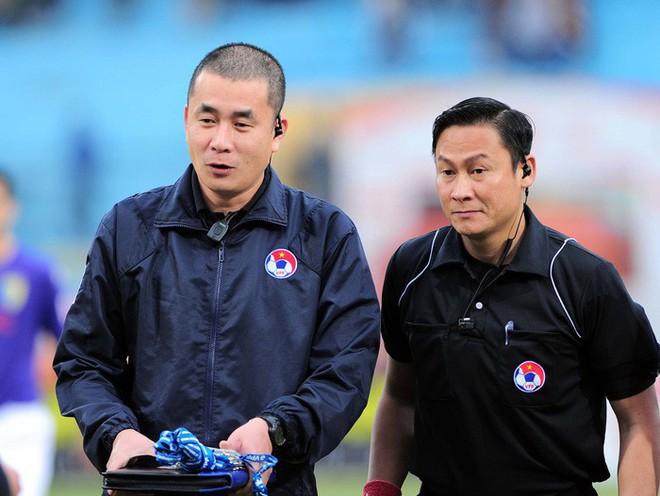 Đen như tuyển thủ U22 Việt Nam: 2 năm bị từ chối 2 bàn thắng vì trọng tài quên rút thẻ đỏ, chỉ sai hướng - ảnh 1
