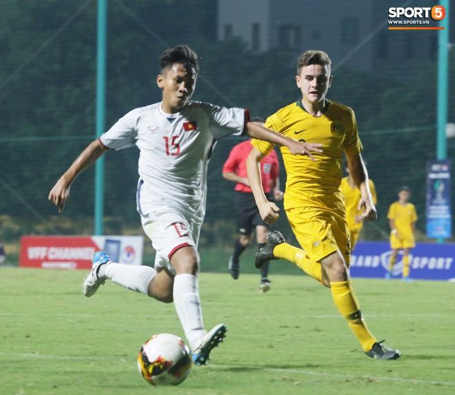 Thua ngược ở những phút cuối trận, U16 Việt Nam nín thở chờ tấm vé vào VCK U16 Châu Á - Ảnh 1.