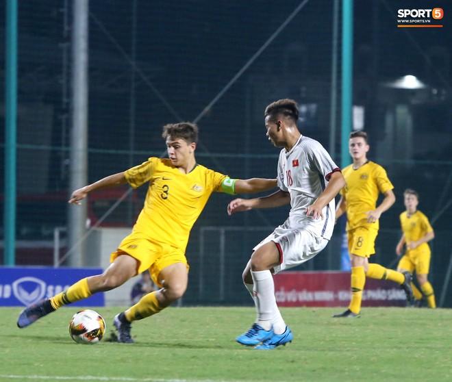 Thua ngược ở những phút cuối trận, U16 Việt Nam nín thở chờ tấm vé vào VCK U16 Châu Á - Ảnh 2.