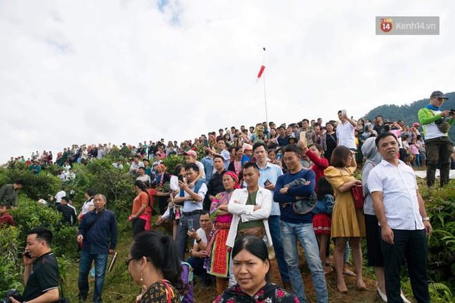 Hàng ngàn người dân tại Hoàng Su Phì thích thú ngắm dù lượn - ảnh 7