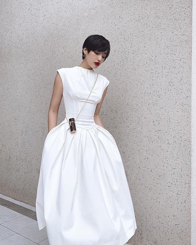 Túi hiệu đâu ra mà lắm thế: Hẳn nên gọi Khánh Linh là cô em nhiều túi' chứ không chỉ là cô em trendy - ảnh 21
