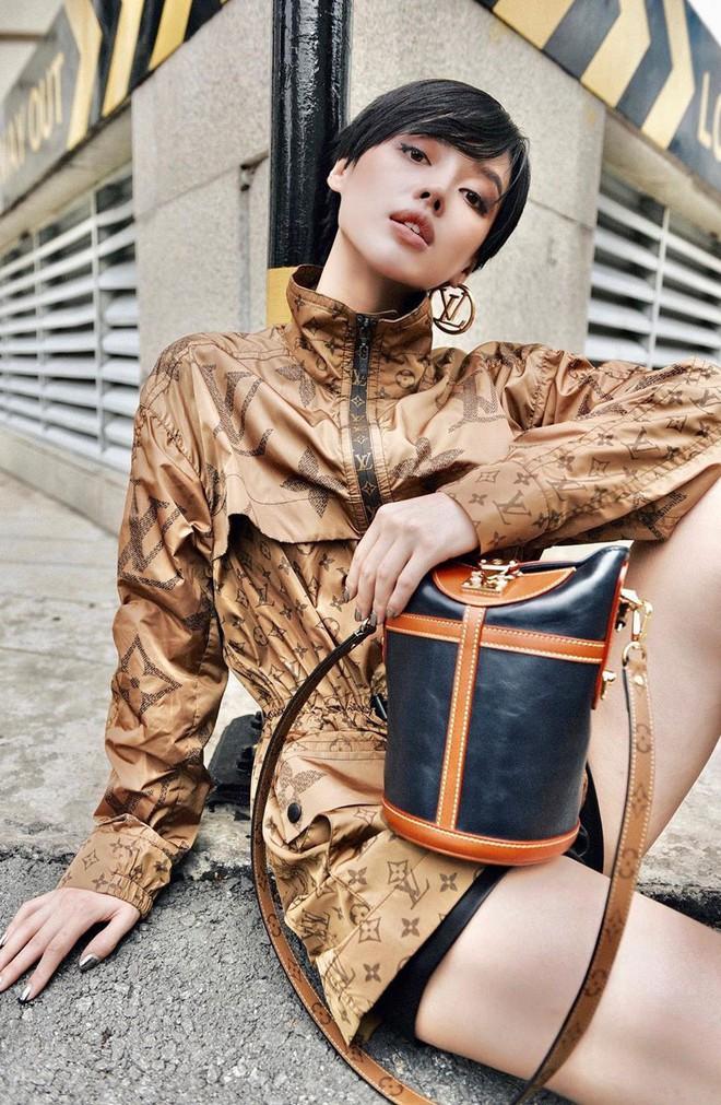 Túi hiệu đâu ra mà lắm thế: Hẳn nên gọi Khánh Linh là cô em nhiều túi' chứ không chỉ là cô em trendy - ảnh 19