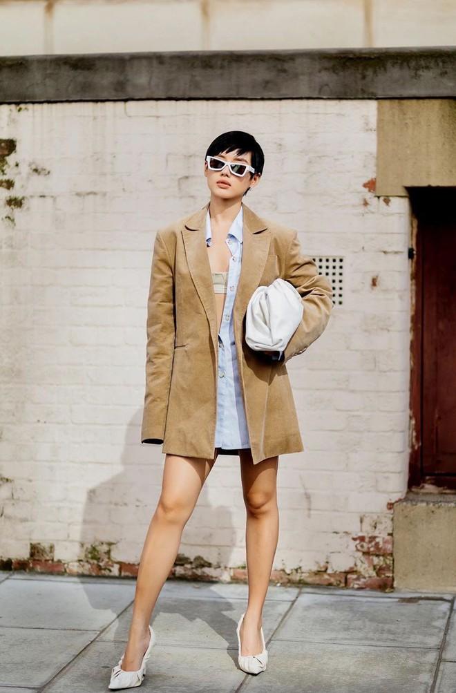 Túi hiệu đâu ra mà lắm thế: Hẳn nên gọi Khánh Linh là cô em nhiều túi' chứ không chỉ là cô em trendy - ảnh 4