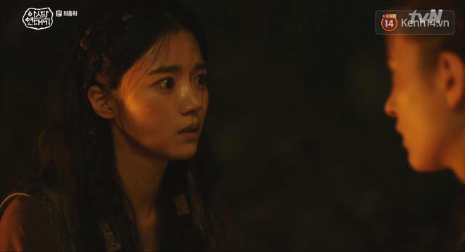 Arthdal Niên Sử Kí tập cuối bùng nổ, căng thẳng đến nghẹt thở vì IQ vô cực của hai Song Joong Ki! - ảnh 11