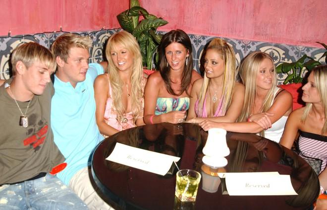 Drama sốc nhất Hollywood của gia đình Nick (Backstreet Boys): Em trai dọa giết vợ, anh trai ấu dâm, chị gái cưỡng hiếp? - Ảnh 4.