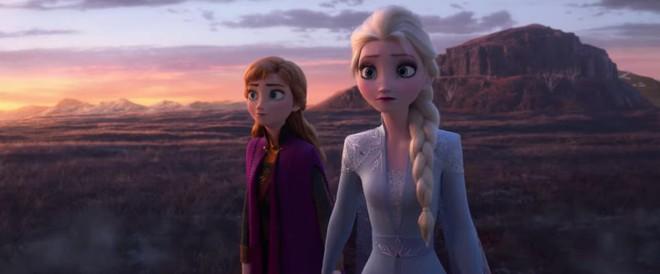 Frozen 2 tung trailer nóng: Disney hack nội công Elsa, bá đạo thế này chơi 1 mình nhé gái ơi chứ ai làm lại? - Ảnh 1.