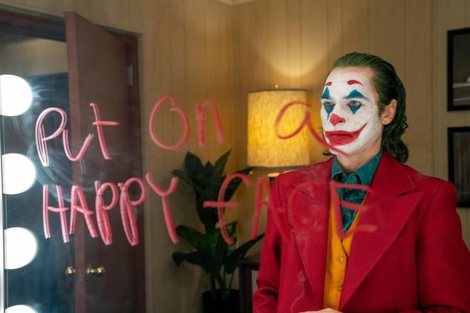 Joker bị chỉ trích vì có nhiều cảnh bạo lực, Warner Bros vội lên tiếng bênh vực con cưng! - Ảnh 3.