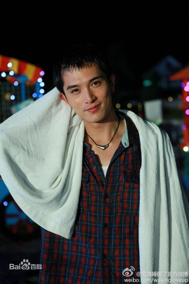 8 phim kinh điển của Khưu Trạch - người đang u mê Trương Quân Ninh: Hoá ra từng là màu tím ở Dear Ex? - ảnh 1