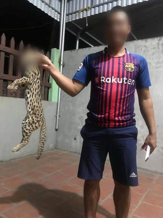 Phẫn nộ hình ảnh thanh niên giết mèo rừng nghi quý hiếm rồi đăng Facebook khoe chiến tích - Ảnh 2.