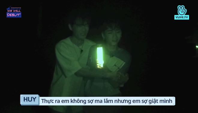 7 trai đẹp của boygroup người Việt D1Verse la hét khản cổ khi bị dọa ma - ảnh 9