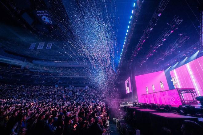 Vượt SNSD, BLACKPINK chính thức trở thành nhóm nữ có doanh thu concert cao nhất lịch sử Kpop - ảnh 3