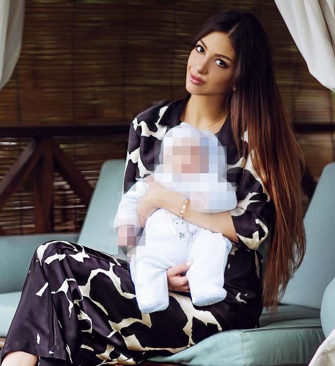 Người đẹp Nga đăng ảnh thuở mặn nồng với Cựu vương Malaysia, úp mở việc công khai 'sự thật đau lòng' - ảnh 3