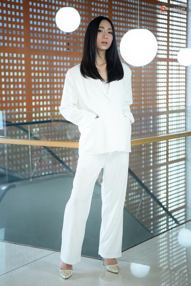 Vietnam's Next Top Model: Dàn chân dài trai xinh, gái đẹp nườm nượp tới casting tại Hà Nội - ảnh 13