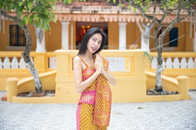Thủy Tiên và mẹ lần đầu chia sẻ câu chuyện gia đình hiến đất xây dựng Chùa tại Kiên Giang - ảnh 2