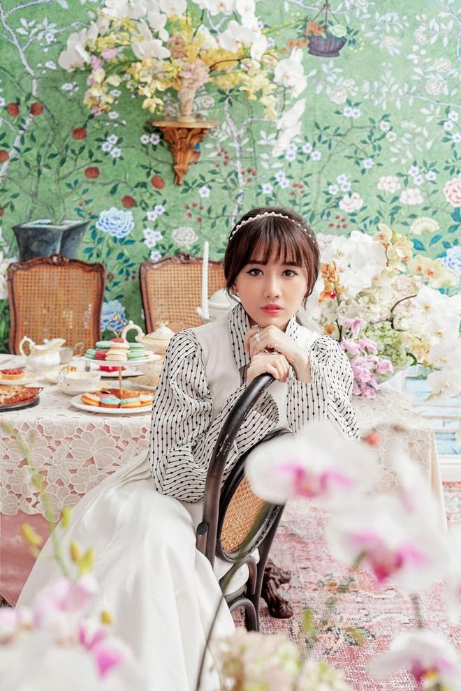 Trấn Thành và Hari Won tung bộ ảnh tình tứ như thuở mới yêu, ngày càng hạnh phúc sau gần 3 năm kết hôn - ảnh 9