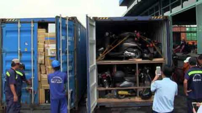 Bắt cựu cán bộ Chi cục Hải quan Cửa khẩu Cảng Sài Gòn vì buôn lậu - ảnh 1