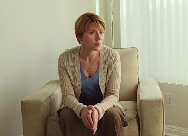 Đang yên lành, Goá phụ đen Scarlett Johansson lên tiếng bênh vực đạo diễn ấu dâm chi cho hốt gạch vậy? - ảnh 1
