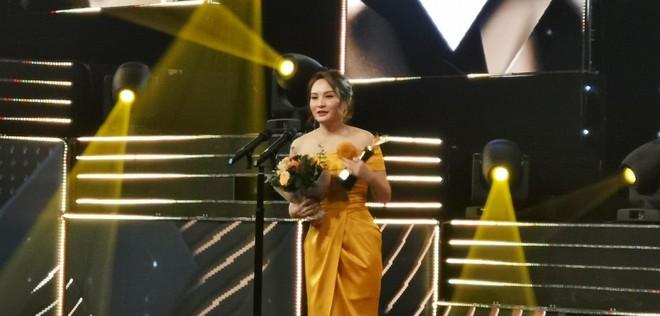 Thư xính lao Bảo Thanh vượt mặt chị em My Sói và tomboiloichoi giành giải nữ diễn viên ấn tượng trong VTV Awards 2019 - Ảnh 10.