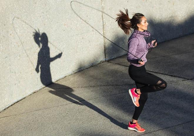 Muốn giảm cân mà lười chạy bộ? Dưới đây là những lựa chọn thay thế bạn không thể bỏ qua - ảnh 1
