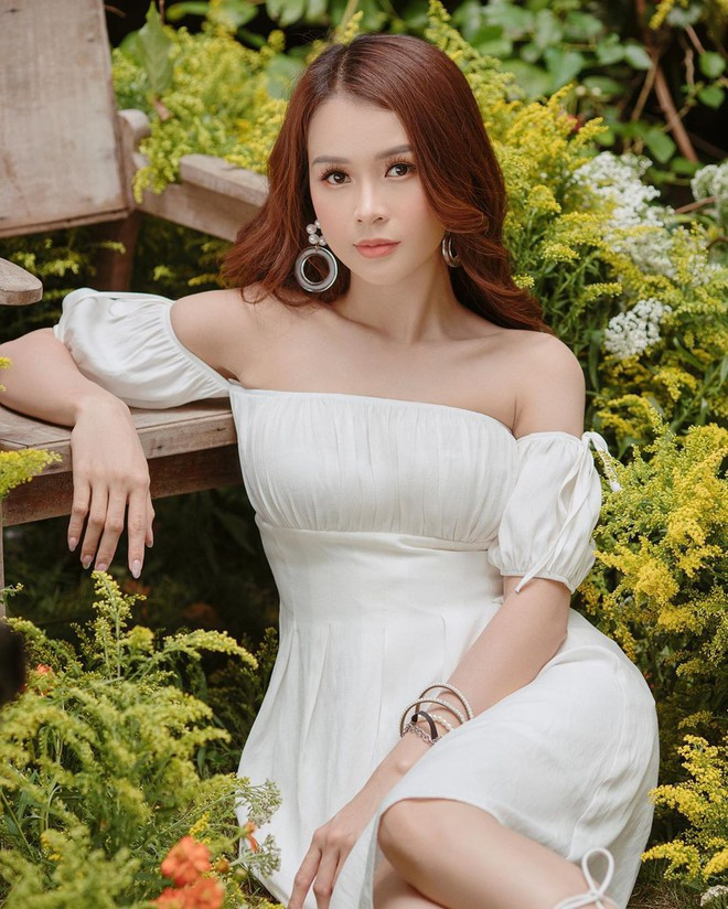 Ngắm Sam yêu kiều và sang chảnh khi diện váy trắng, thế nào các nàng cũng muốn sắm ngay vài chiếc - ảnh 7