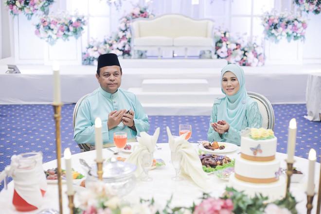 Trước đám cưới chú rể bỗng đau bụng dữ dội, bố mẹ cô dâu liền thay các con tiến vào lễ đường hoàn thành nốt dịp trọng đại - ảnh 6
